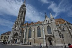 Matthias Church sur la colline de château de Budapest images stock
