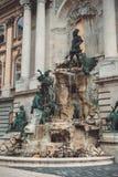 Matthias Fountain in punto di riferimento storico famoso del cortile di nord-ovest a Budapest immagine stock