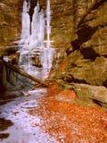 Matthiessen delstatsparkvattenfall Illinois Royaltyfri Fotografi