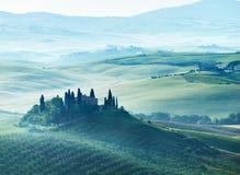 Mattina in anticipo della molla in Toscana, l'Italia Fotografia Stock Libera da Diritti