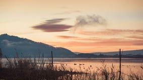 Mattina con la vista del paesaggio di alba da spirito del lago di kawaguchi Fotografia Stock