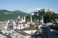 Mattina del castello della città dell'orizzonte di Salisburgo Immagini Stock Libere da Diritti