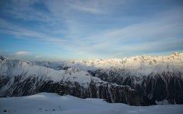 Mattina delle alpi nell'inverno di Ischgl - alpi della montagna Immagine Stock Libera da Diritti