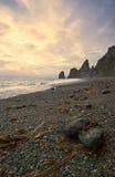 Mattina di ansia sulla riva dell'oceano Fotografia Stock