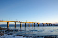 Mattina di inverno al ponte Fotografia Stock
