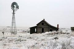 Mattina fredda sulla fattoria fotografia stock libera da diritti