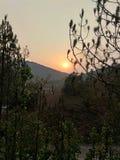 mattina; luce del sole di tempo fino a giù immagini stock