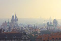 Mattina nebbiosa a Praga Fotografia Stock Libera da Diritti