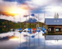 Mattina nebbiosa sulle alpi Austria Europa di Grundlsee del lago Fotografie Stock Libere da Diritti