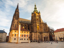 Mattina soleggiata al san Vitus Cathedral, castello di Praga, Praga, repubblica Ceca Fotografia Stock