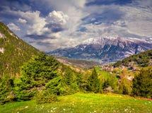 Mattina soleggiata di estate in alpi italiane Immagine Stock Libera da Diritti