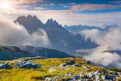 Mattina soleggiata di estate nelle alpi italiane Montagne delle dolomia, I Immagine Stock Libera da Diritti
