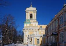 Mattina soleggiata gelida in Alexander Nevsky Monastery immagine stock