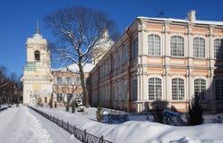 Mattina soleggiata gelida in Alexander Nevsky Monastery immagine stock libera da diritti