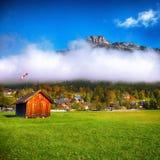 Mattina soleggiata sulle alpi Austria Europa di Altaussee del villaggio Immagine Stock Libera da Diritti