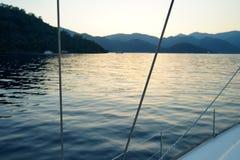 Mattina su una barca a vela Fotografia Stock Libera da Diritti