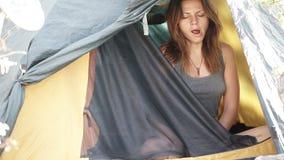 Mattina in tenda video d archivio
