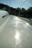 Mattina umida sulla piattaforma di barca Fotografia Stock