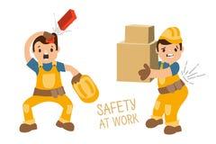 Mattone caduto, lavoratore senza casco, lavoratore con le scatole pesanti e dolore alla schiena Fotografie Stock Libere da Diritti