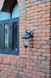 Mattone della parete e della lampada Fotografia Stock Libera da Diritti