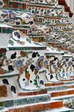 Mattonelle decorate della porcellana nel arun del wat, Bangkok, Thaïland Fotografia Stock