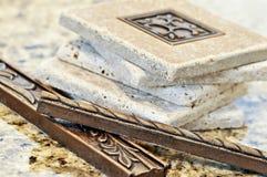 Mattonelle di ceramica e bordi fotografia stock