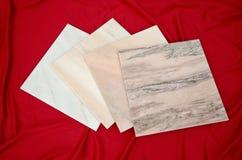 Mattonelle di marmo bianche di Ruschita dalla Romania Immagine Stock