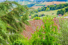 Mattonelle di tetto in campagna di Romagna in Italia Fotografia Stock