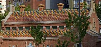 Mattonelle di tetto ceramiche variopinte con rosso e verde Fotografie Stock