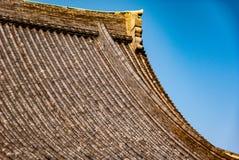Mattonelle di tetto del santuario di Asakusa - colpo del dettaglio immagine stock libera da diritti