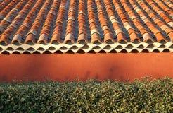 Mattonelle di tetto di terracotta Fotografia Stock