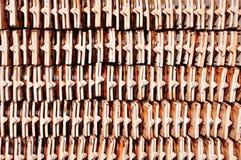 Mattonelle di tetto nella vista laterale Immagine Stock Libera da Diritti