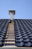Mattonelle di tetto nere. Fotografie Stock Libere da Diritti