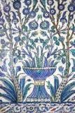 Mattonelle dipinte nell'harem di Topkapi di Costantinopoli Immagine Stock