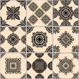 Mattonelle geometriche nere e beige Fotografia Stock