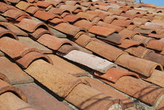 Mattonelle rosse sul tetto Fotografia Stock