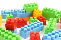 Mattoni di plastica variopinti del giocattolo Fotografie Stock Libere da Diritti
