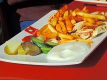 Matuppläggningsfat på restaurangen i Amman, Jordanien royaltyfri foto