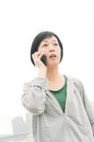 Woman talk on cellphone Royalty Free Stock Photos