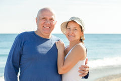 Mature couple against sea Royalty Free Stock Photos