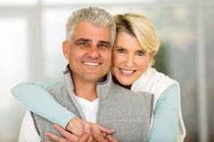 Mature couple hugging Royalty Free Stock Photos