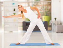 Mature woman exercise Royalty Free Stock Photos