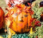 MATYRSKY, РОССИЯ - 23-ье сентября 2017: Фестиваль каши тыквы Чучело от тыквы Стоковая Фотография