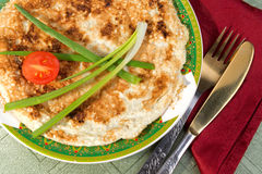 """Matzah brei †""""durcheinandergemischte Eier mit Matzah bessert aus Lizenzfreies Stockbild"""