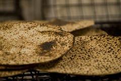 Matzah cocido al horno Foto de archivo libre de regalías