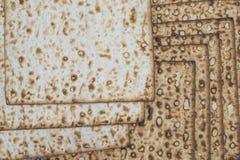Matzah på gladlynt feriepesah för pesah arkivfoto