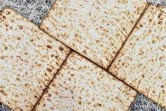 Matzah på gladlynt feriepesah för pesah royaltyfria bilder