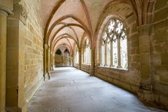 Maulbronn, Deutschland - 14. April 2017: Kloster Maulbronn von herein Stockfoto