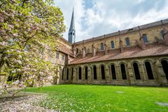 Maulbronn, Deutschland - 14. April 2017: Kloster Maulbronn von herein Lizenzfreies Stockfoto