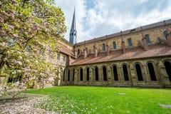 Maulbronn Tyskland - April 14, 2017: Kloster Maulbronn från in Royaltyfri Foto